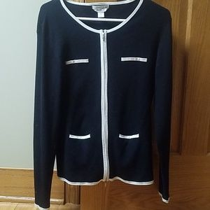 CASUAL CORNER SILKY STRETCH SWEATER SIZE LARGE